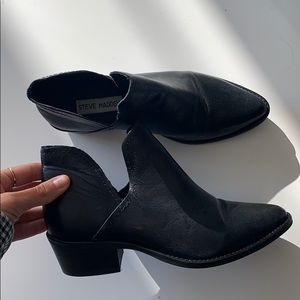 Steve Madden Black leather booties